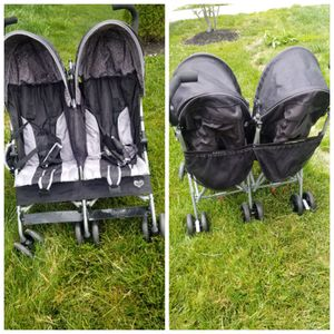 Double stroller for Sale in UPPR MARLBORO, MD