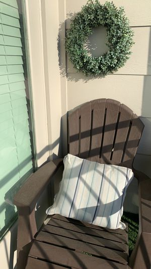 Patio furniture with throw pillow for Sale in Nashville, TN