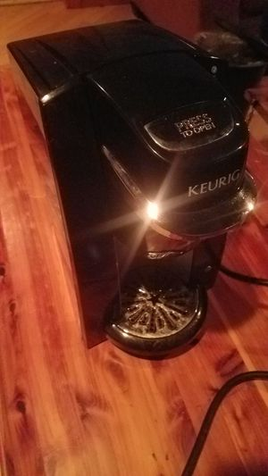 Keurig single cup coffee maker for Sale in Bernville, PA