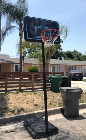 Lifetime Basketball hoop for Sale in Chino Hills, CA