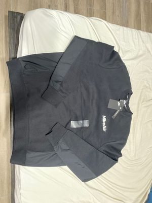 Nike Air Sweater for Sale in Bakersfield, CA