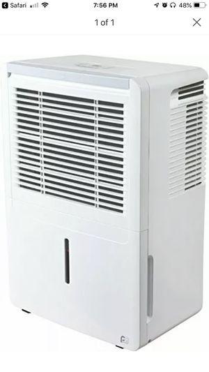 Dehumidifier 4PAD50 for Sale in Miami, FL