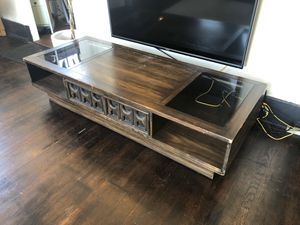 Coffee / TV table with storage for Sale in Long Beach, CA