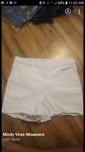 Michael Kors women's shorts size 8 for Sale in Scottsburg, IN