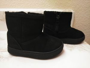 Cat and Jack size 6 baby girl boots for Sale in Dallas, TX