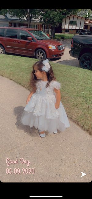 Flowers girl dress for Sale in Sterling Heights, MI