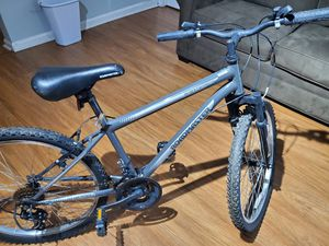 GRANITEPEAK ROAD MASTER 24 inch tires Bicycle for Sale in Graham, NC
