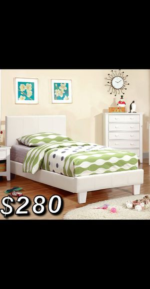 FULL SIZE BED FRAME W/ MATTRESS INCLUDED for Sale in Inglewood, CA