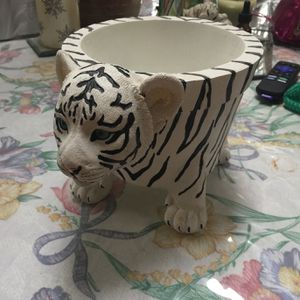 Tiger Plant Holder for Sale in Aliquippa, PA