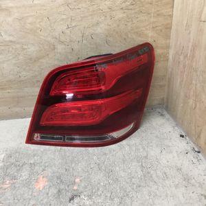 2013-2015 Mercedes Benz Glk350 Passenger Side Tail Light for Sale in Redlands, CA