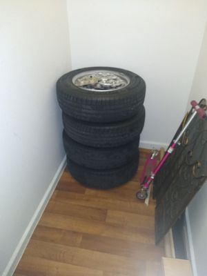 Tires for sale Jeep Patriot in good condition for Sale in Phoenix, AZ