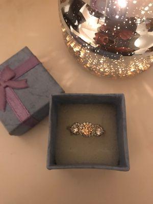 Sparkling ring- size 9 for Sale in Spokane, WA