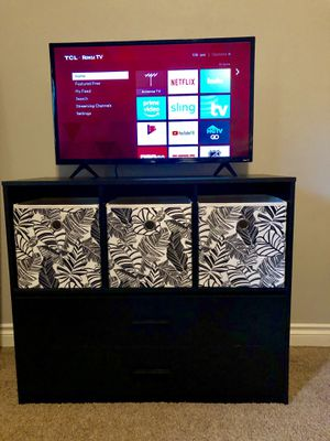"TCL 32"" tv with roku for Sale in Bend, OR"