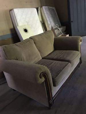couch for Sale in Christiansburg, VA