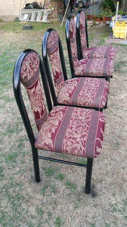 Sillas vuenas condisiones 4 x 55 dolares for Sale in Baldwin Park,  CA