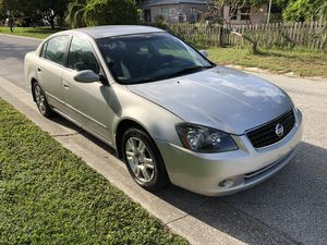 2005 Nissan Altima. Runs great super clean Cold AC five speed for Sale in St. Petersburg, FL