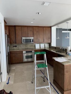 Used kitchen cabinets in good condition. for Sale in Clearwater, FL