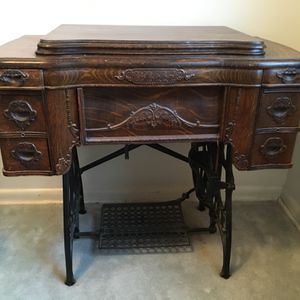 Antique White Sewing Machine for Sale in Port Orchard, WA