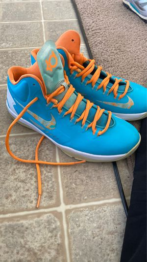 Kevin durant Nike shoes size 7y for Sale in FT LEONARD WD, MO