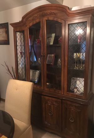 Antique china cabinet for Sale in Garfield Heights, OH
