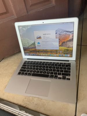 MacBook Air 2015 1.6ghz i5 8gb Ram .128gb ssd mint condition. Works perfectly fine no charger for Sale in Plantation, FL