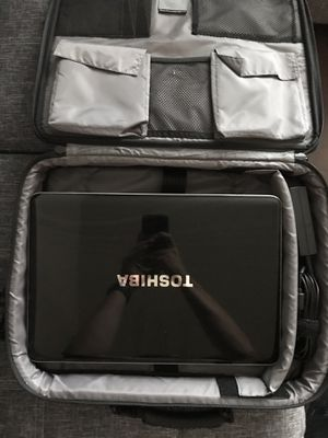 Toshiba Satellite A505-S6005 Laptop with Targus Laptop bag for Sale in Dallas, TX