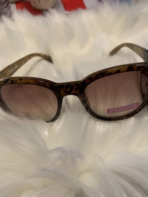 Women's sunglasses for Sale in Los Angeles, CA