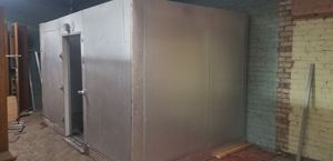 7 by 12 walk in cooler freezer for Sale in Columbus, MN