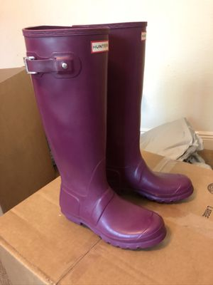 Hunter rain boots purple tall SIZE 8 for Sale in Bridge City, LA