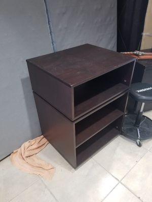Brown tv stand shelving unit ! for Sale in Hollywood, FL