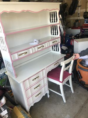 Solid wood desk and dresser. 100.00 obo for Sale in Centennial, CO