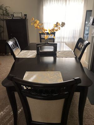 Dining Room Table & 4 Chairs (Haverty's) for Sale in Kennesaw, GA