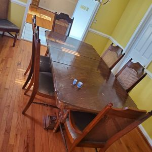 Antique Table w/Chairs for Sale in Columbia, SC