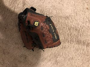 wilson baseball/softball glove for Sale in East Hampton, CT