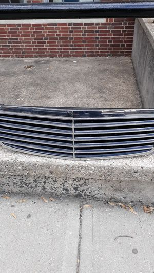 Used, Frond grill mercedes benz E320- E500- E350-class c 280. for Sale for sale  Jersey City, NJ