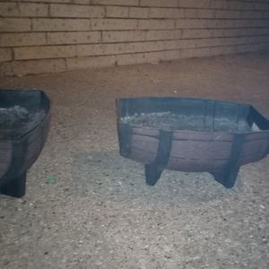 Two Flower Pots for Sale in Mansfield, TX