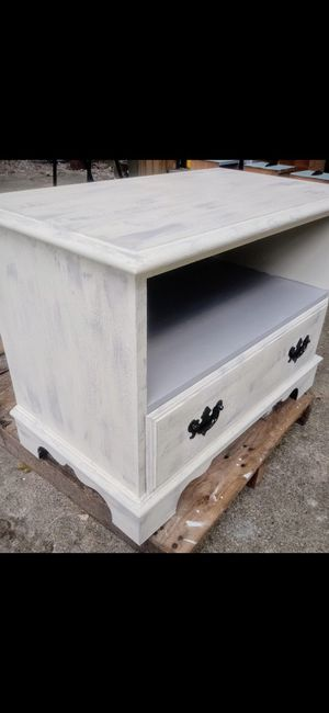 Refinished tv stand/ nightstand for Sale in Woodburn, IN