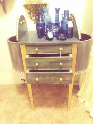 Antique Martha Washington Cabinet for Sale in Fresno, CA