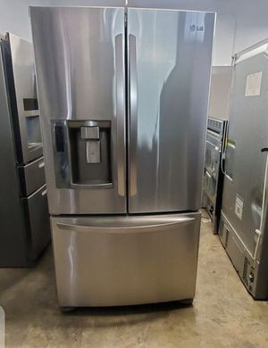 Lg french door refrigerator for Sale in Los Angeles, CA