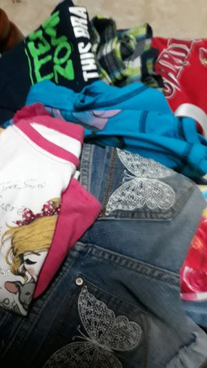 Kids clothes free for Sale in East Carondelet, IL