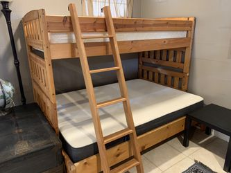 Wooden Full/Twin Bunk Bed w/Minor Damage for Sale in Lithia,  FL