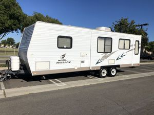2007 Mallard by Fleetwood travel trailer big slide out for Sale in Lakewood, CA