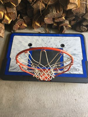 Complete basketball hoop with adjustable height for Sale in Chicago, IL