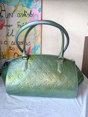 Authentic Louis Vuitton Vernis Sherwood Shoulder Bag for Sale in Tampa, FL