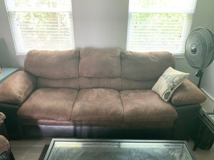 Couch 3 seater for Sale in Worthington, OH