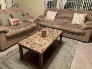 Sofa and loveseat for Sale in Indianapolis, IN