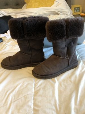 UGGS - Chocolate Brown Tall boots for Sale in Eagle Mountain, UT