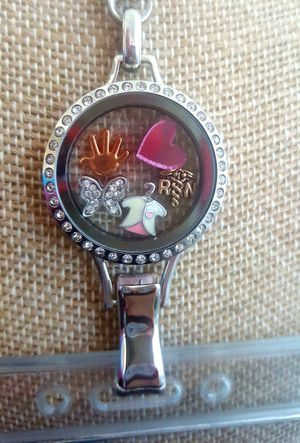 Nurse Floating Locket ID badge holder w/chain for Sale in Lawndale, CA