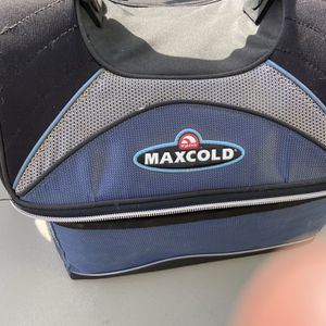 MAXCOLD LUNCH COOLER for Sale in Fontana, CA