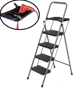 Easyzon 4 Step Ladder Stool for Adults Indoor/Outdoor for Sale in Las Vegas, NV